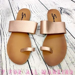 Seven7 Lucy Rose Gold Loop Toe Sandals